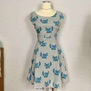 Fox print blue cap sl fit and flare belted dress